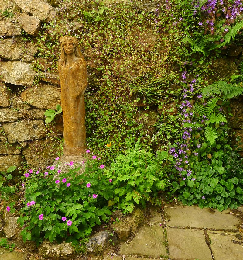 The courtyard at Bumblehill