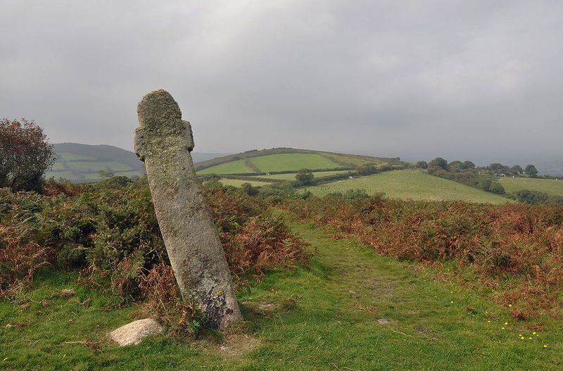 Week Down Cross, Dartmoor, photograph by Nilfanion