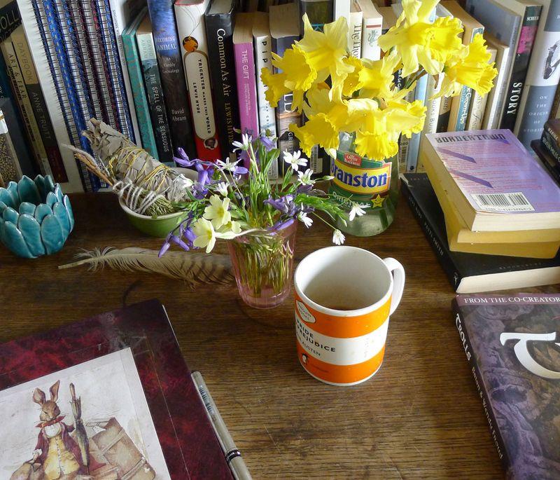 Woodland daffodils & other wildflowers