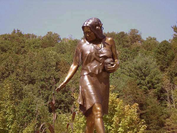 Selu sculpture by Raymond Moose on the Cherokee Reservation in North Carolina