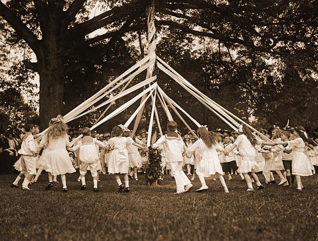 Maypole dancing, 1915