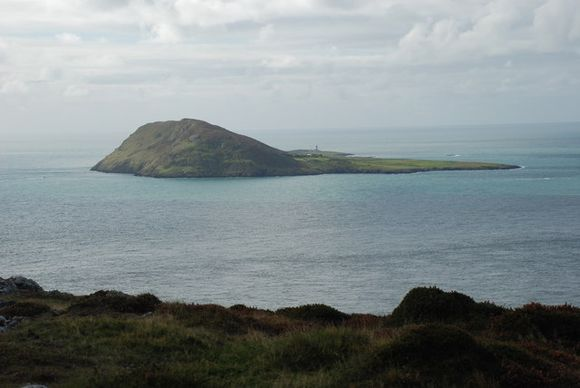 Ynys Enlli, viewed from Mynydd Mawr - photograph by Alan Fryer (Creative Commons)