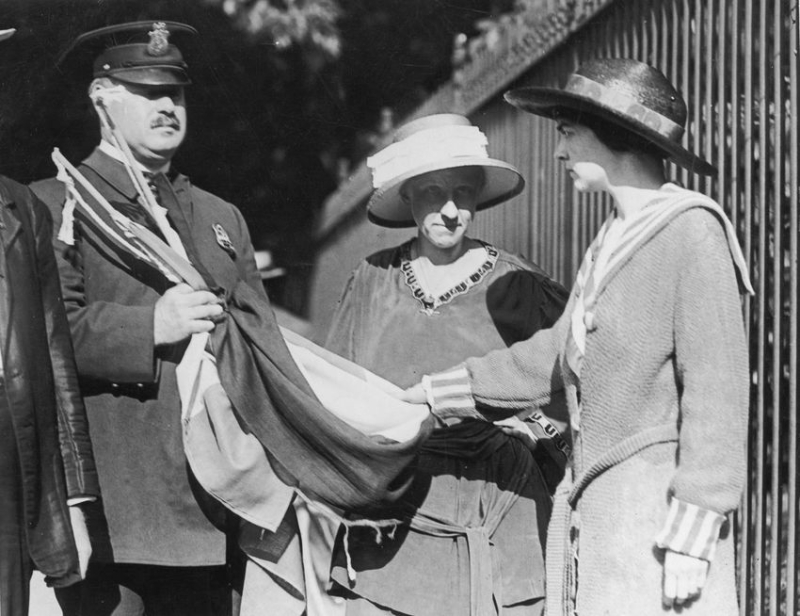 Suffrage banners confiscated outside the White House