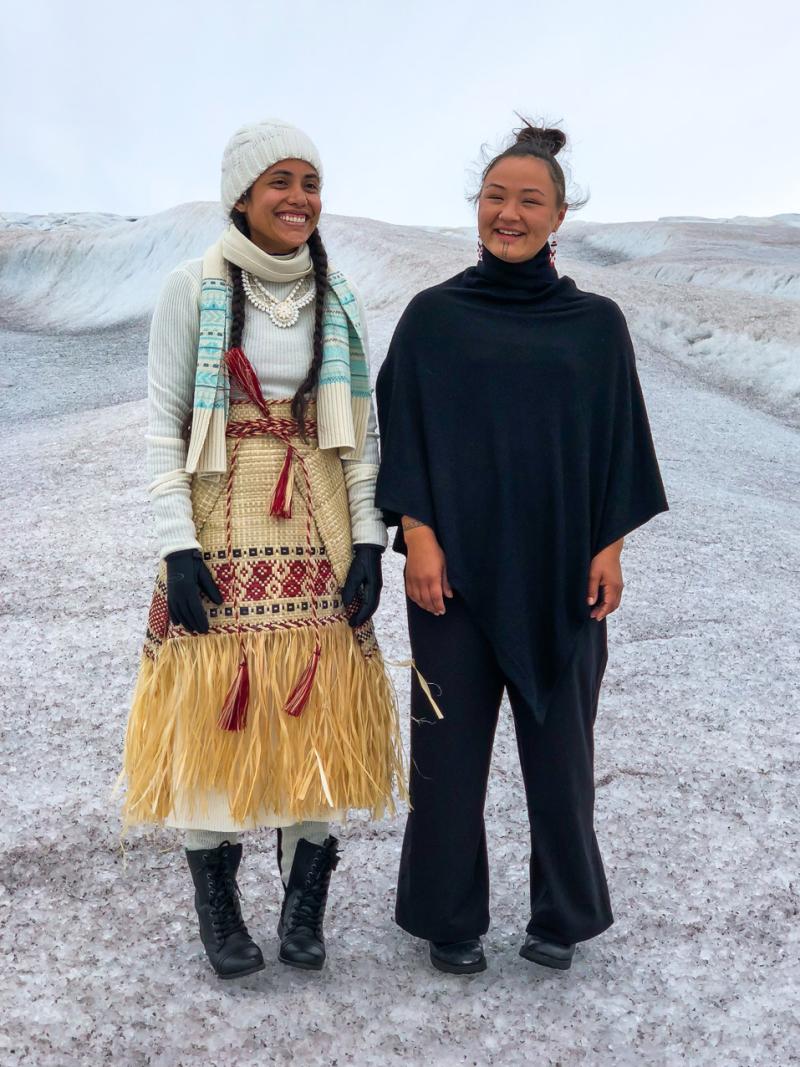 Poets Kathy Jetñil-Kijiner and Aka Niviâna