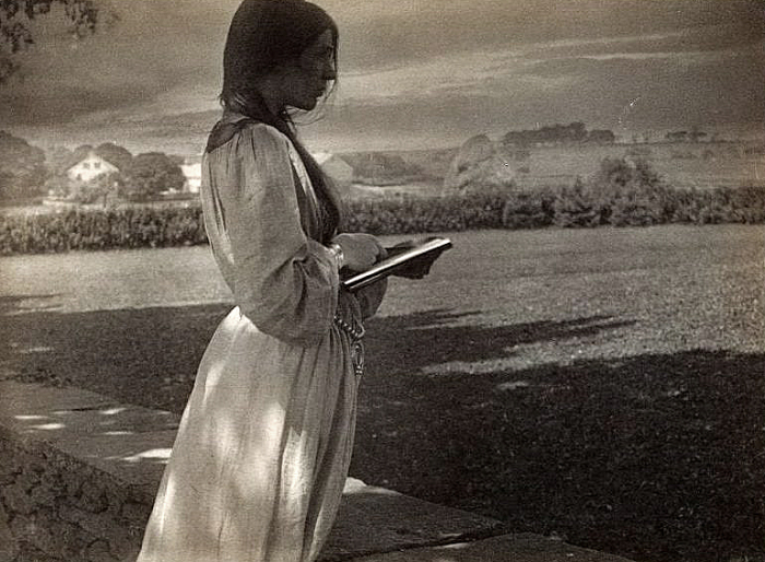 The Sketch by American photographer Gertrude Käsebier (1852 – 1934)