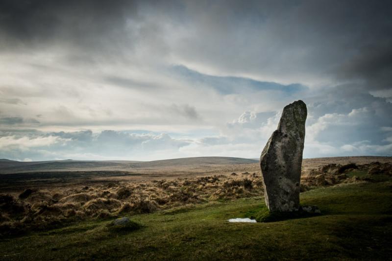 Scorhill Stone Circle by Simon Blackbourn