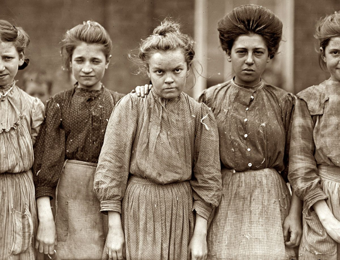 Cotton Mill girls  1909