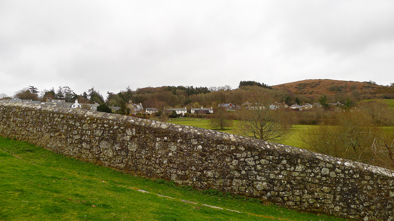 Stone wall on O'er Hill