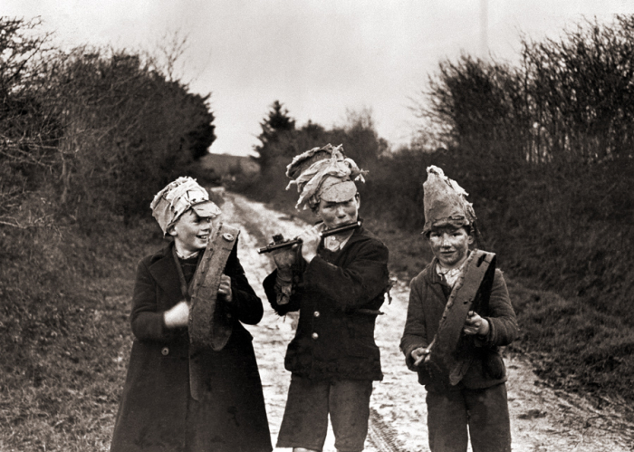 Wren boys in Ireland, 1947